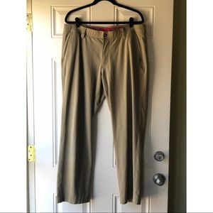 GUC Khaki Under Armour Men's Golf Pants size 38/30